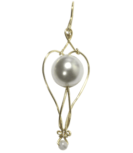 Gray-colored pearl earring